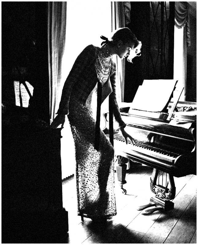 Terra ignota femme au piano